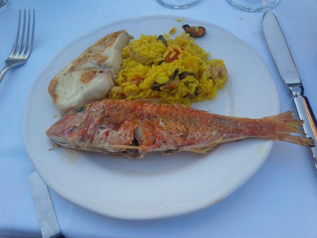 Schwertfisch & Meerbarbe an Safranreis mit Gemüse